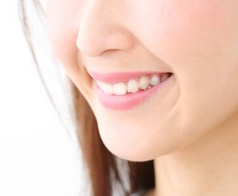 若い方の入れ歯治療について